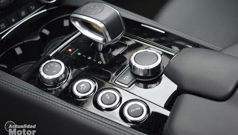 Prueba Mercedes CLS 63 AMG botones