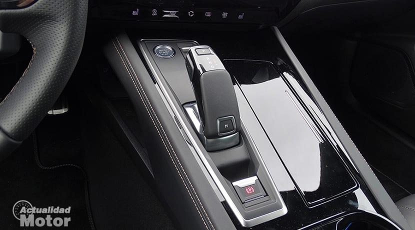 Prueba Peugeot 508 consola central con negro brillante