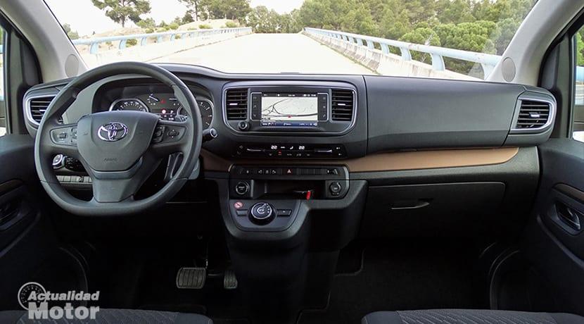 Prueba Toyota Proace Verso diseño interior