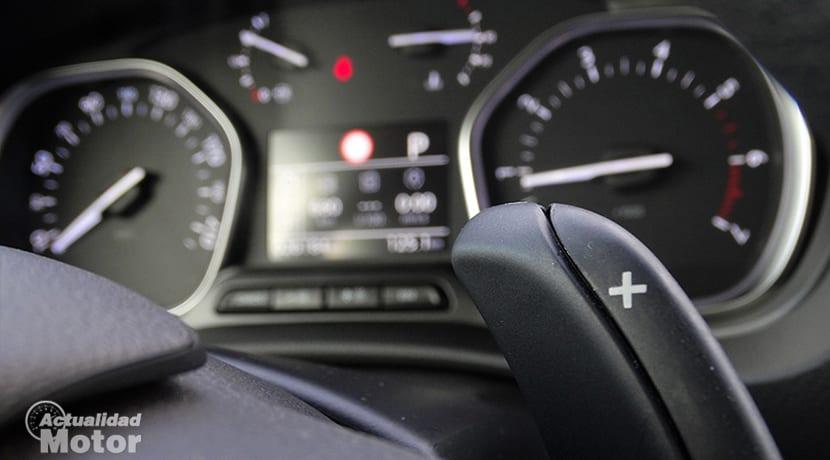 Prueba Toyota Proace Verso leva cambio automático 180D