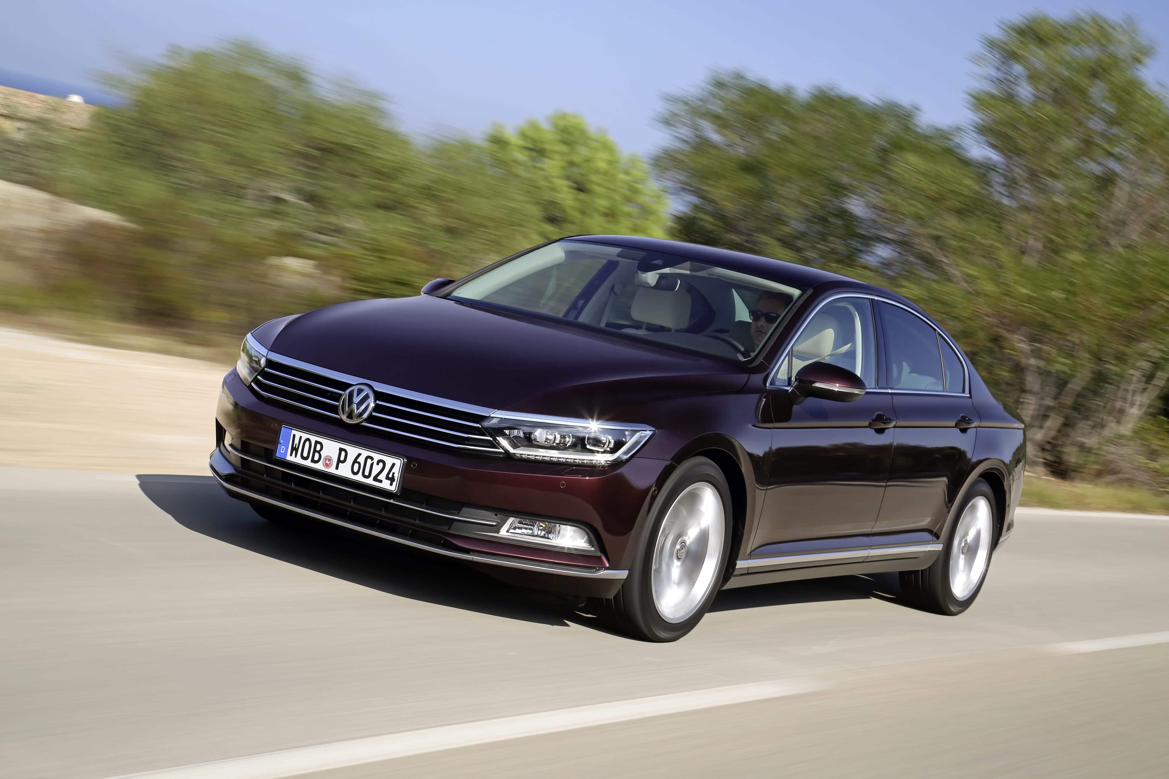 Volkswagen Passat perfil delantero