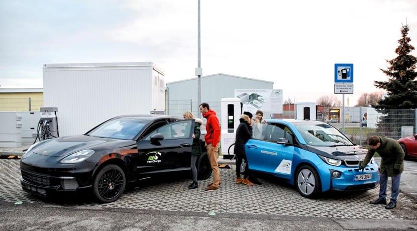 Carga rápida BMW y Porsche 450 kW