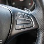 Controles derechos del volante del Mercedes Clase X