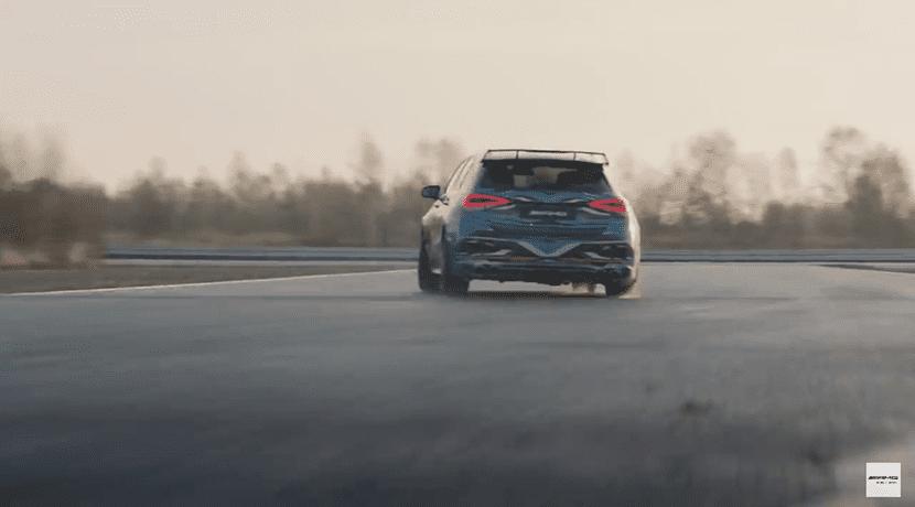Teaser del Mercedes-AMG A45 camuflaje