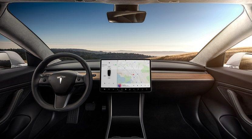 Por ahora solo llegan dos versiones del Tesla Model 3 a España
