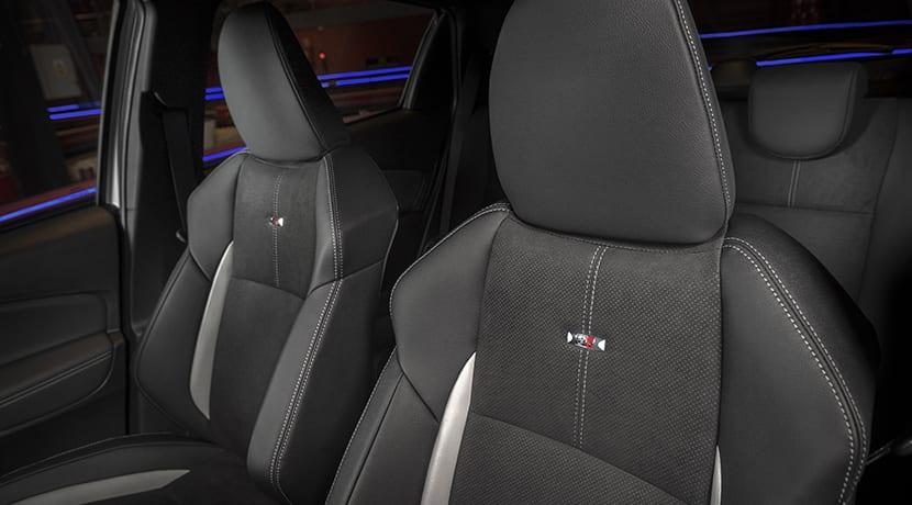 Toyota Yaris GR-Sport asientos deportivos