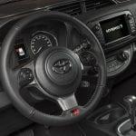 Toyota Yaris GR-Sport volante deportivo