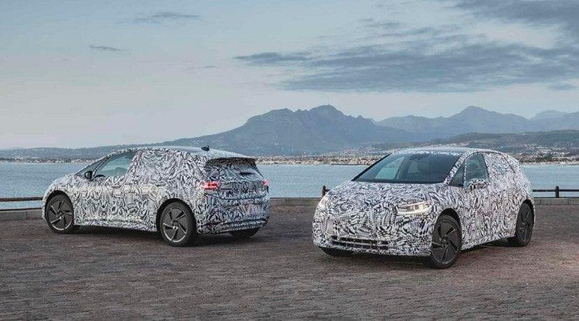 Delantera y trasera del Volkswagen ID camuflado
