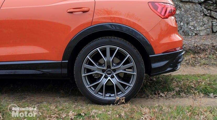 Audi Q3 45 TFSI quattro Stronic llanta de aleación
