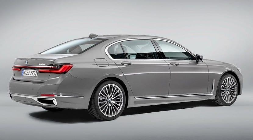 Trasera del BMW Serie 7 Restyling de 2019