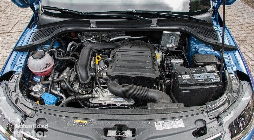 Dónde está el filtro de aire del motor de un coche