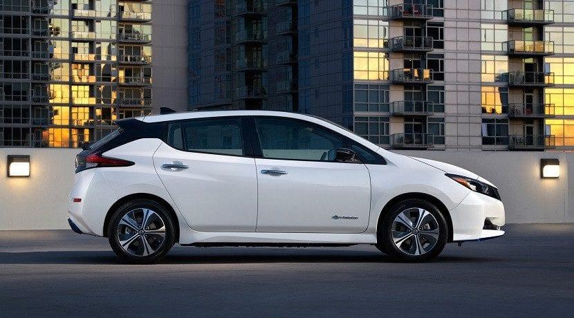 Lateral del Nissan Leaf E+