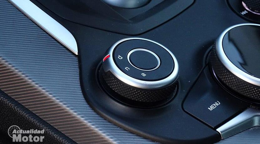 Selector DNA Alfa Romeo modos conducción