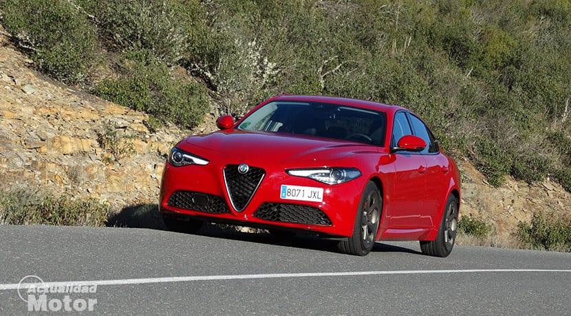Prueba Alfa Romeo Giulia 2.0 Turbo 200 CV perfil delantero