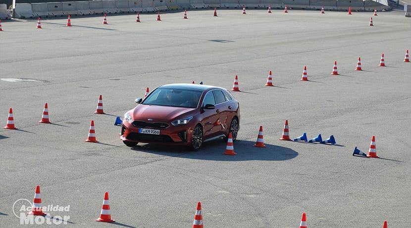 Maniobras esquiva emergencia con Kia ProCeed GT