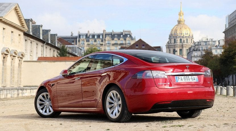 Tesla deja de fabricar las baterías el 75 D