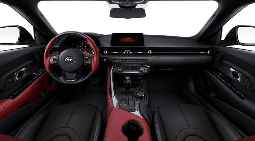Interior del Toyota Supra