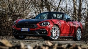 Frontal del Abarth 124 Rally Tribute Edition Rojo