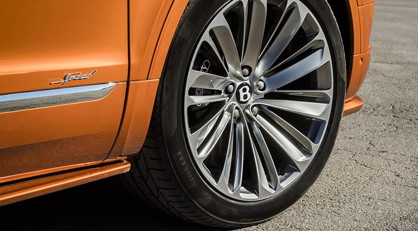 Bentley Bentayga Speed llantas 22 pulgadas