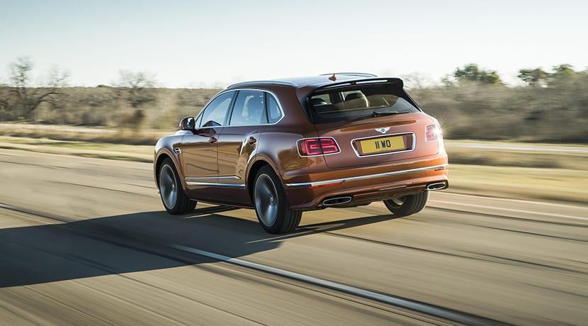 Bentley Bentayga Speed dinámica trasera