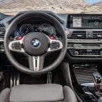 BMW X4 M puesto conducción