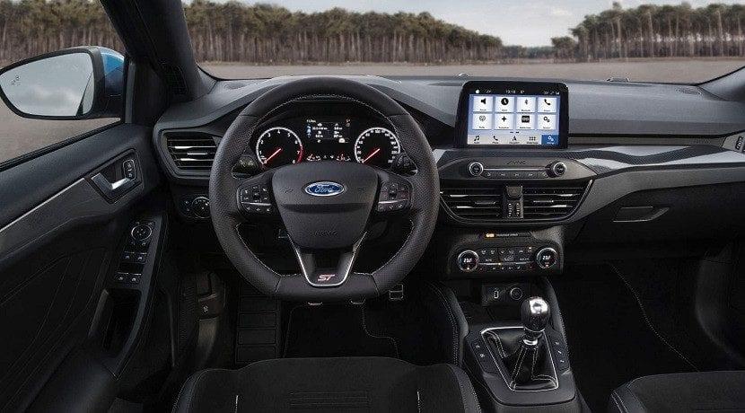 Puesto de conducción del Ford Focus ST 2019