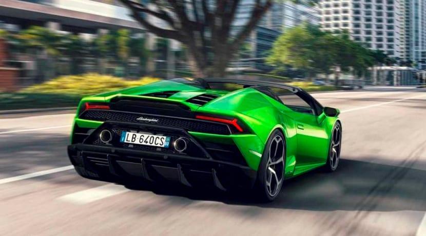 Lamborghini Huracán Evo Spyder en carretera
