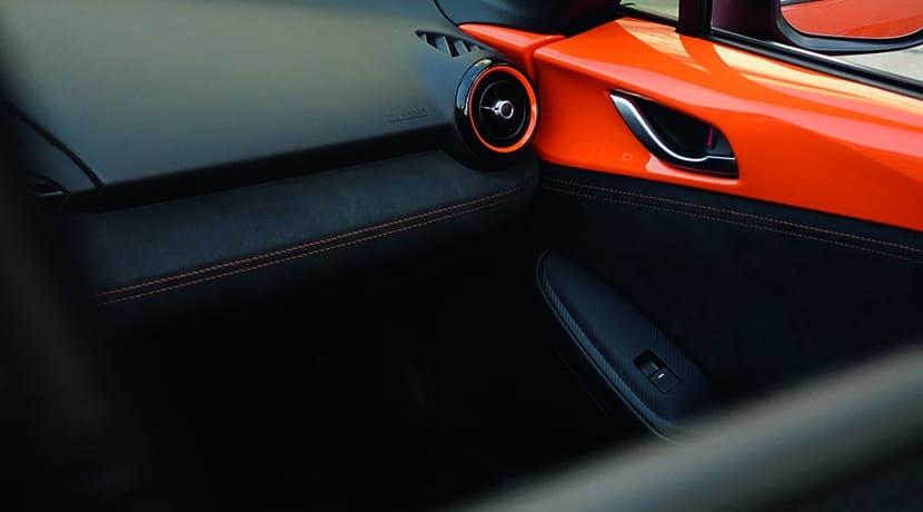 Tapizado interior naranja del Mazda MX-5 30 Aniversario