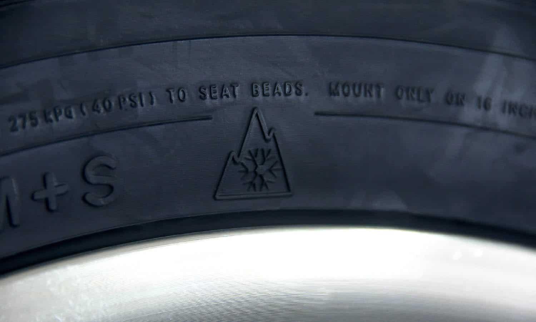 Símbolo 3psf y M+S de un neumático de invierno