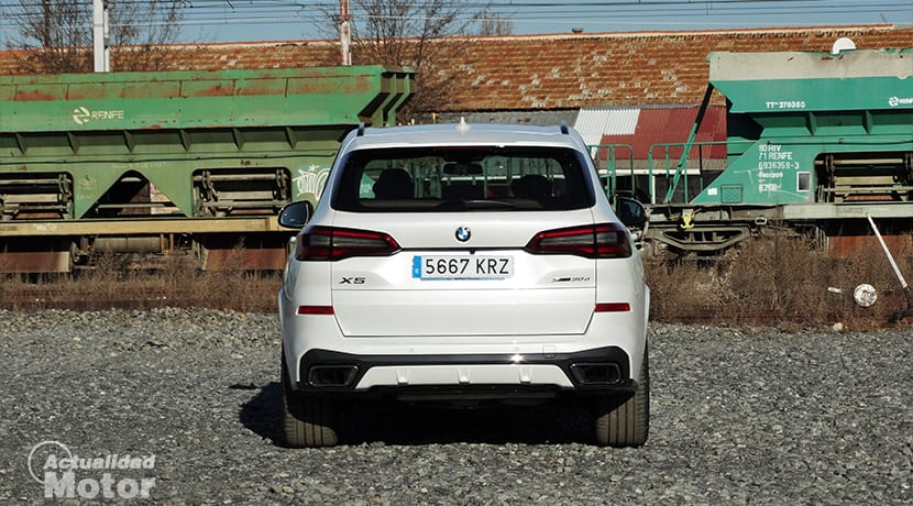BMW X5 xDrive30d pack M trasera