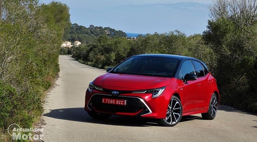 Prueba Toyota Corolla perfil delantero 180 CV