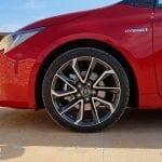 Prueba Toyota Corolla detalle llanta bitono
