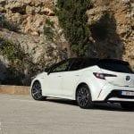 Prueba Toyota Corolla 125H perfil trasero