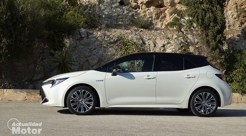 Prueba Toyota Corolla hatchback lateral