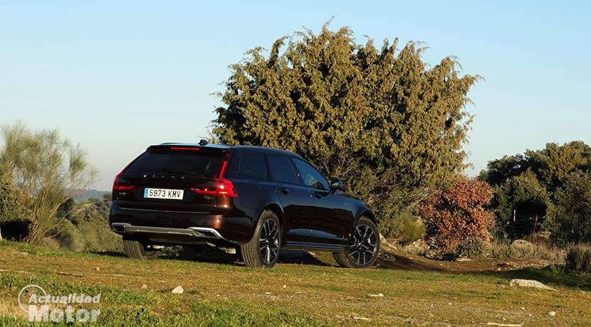 Prueba Volvo V90 Cross Country fuera del asfalto