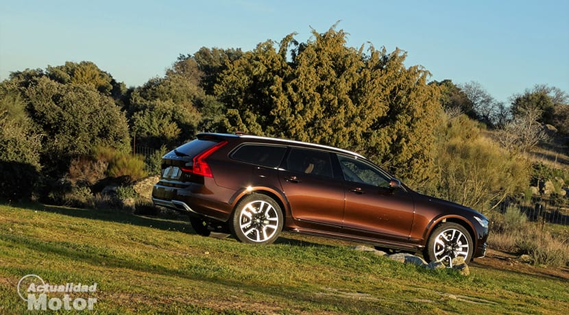 Lateral del Volvo V90 Cross Country