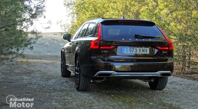 Parte trasera del Volvo V90 Cross Country T6