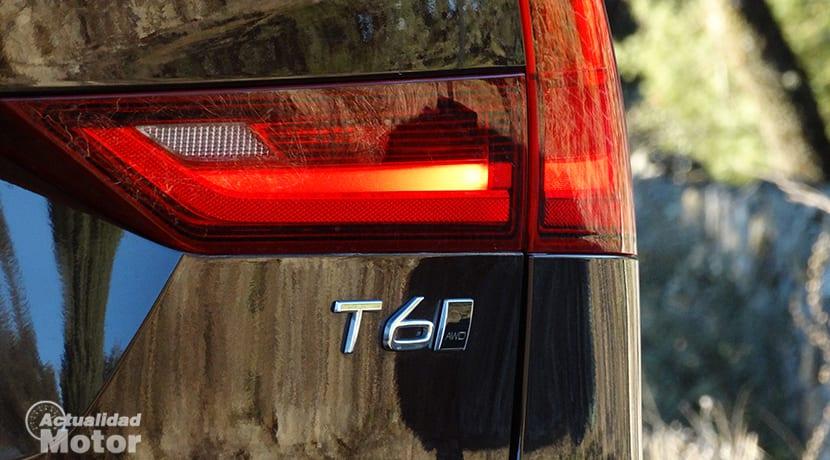 Detalle exterior Volvo V90 inscripción versión T6