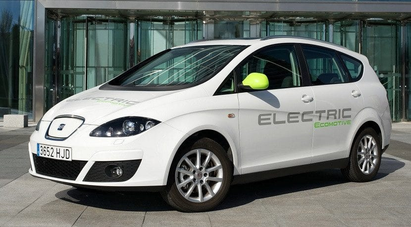 Experimentación con el Seat Altea XL Electric Ecomotive Concept antes de que Seat lance su primer eléctrico