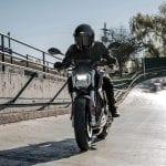 La moto eléctrica Zero SR/F en movimiento