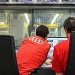 Ingenieros poniendo a prueba el motor Audi de cuatro cilindros para el DTM