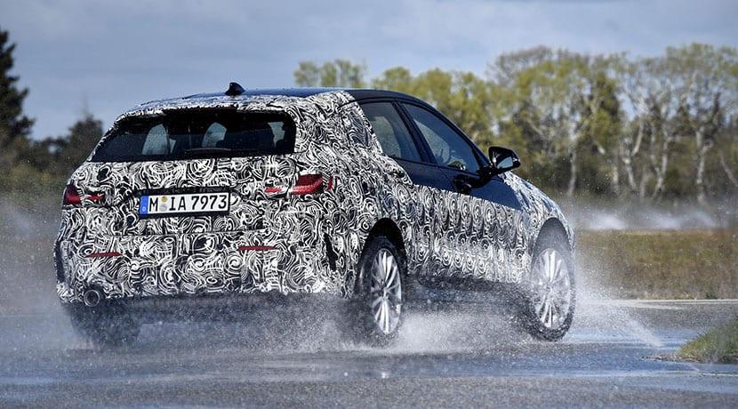 dinámica BMW Serie 1 2019 parte trasera camuflado