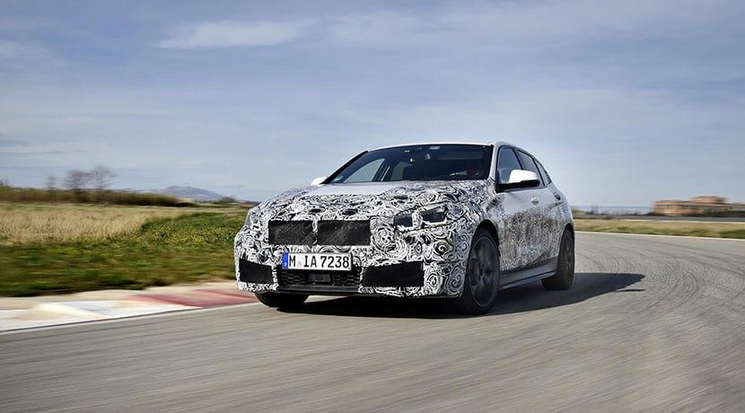 BMW Serie 1 2019 camuflado perfil