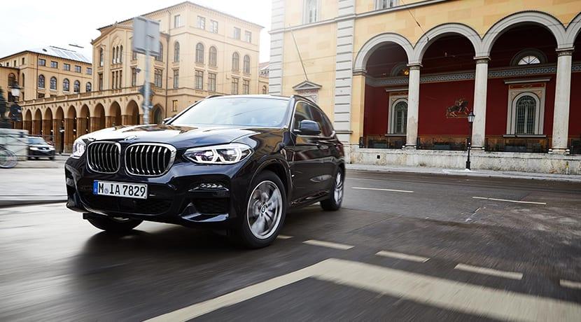 BMW X3 xDrive30e perfil