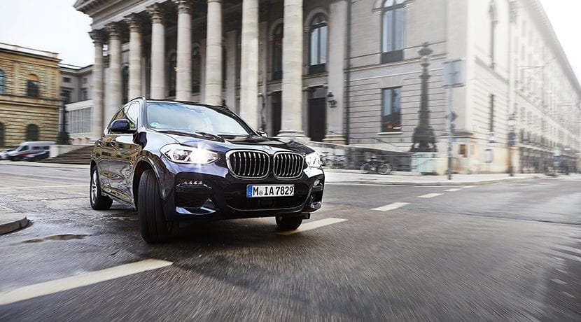 BMW X3 xDrive30e delantera