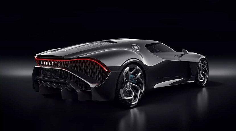 Trasera del Bugatti La Voiture Noir