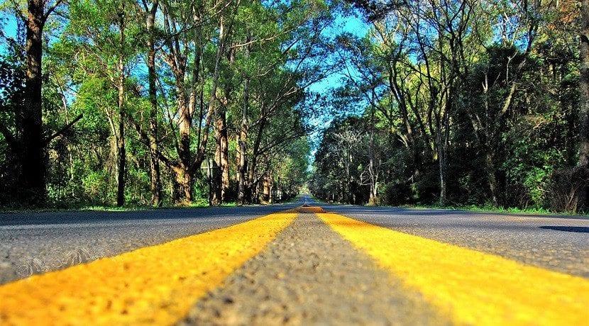 A la autonomía de los coches afectan muchas cosas. Cuidado al comprar un eléctrico si haces muchos kilómetros al día o haces viajes largos