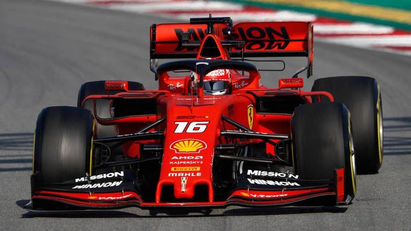 Charles Leclerc en el Ferrari #16