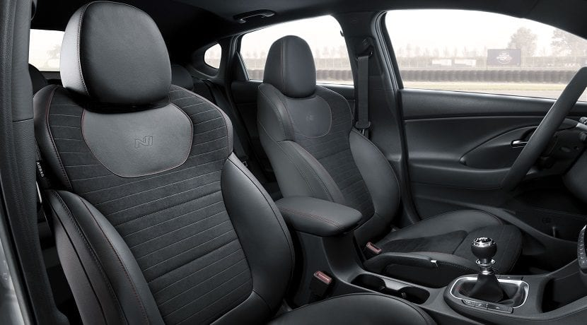 Plazas delanteras del Hyundai i30 Fastback N Performance