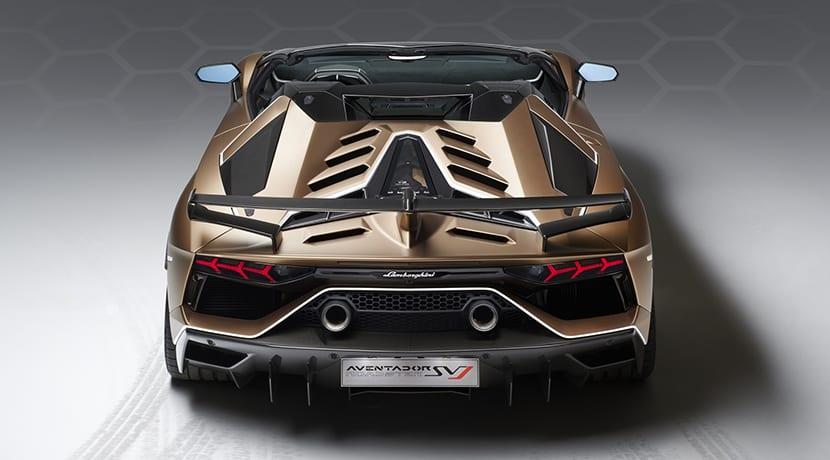 trasera Lamborghini Aventador SVJ Roadster